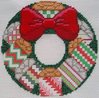 X31 Small Package Needlepoint Wreath