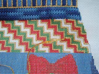 X41  Wreath Mitten stitches