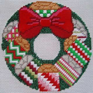 X31 Sm Package Wreath stitched